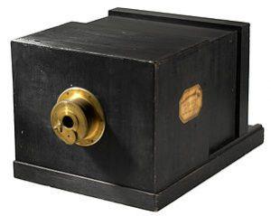 daguerreotype_camera_1839